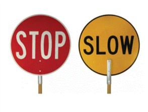 STOP / SLOW SIGN 450mm Ø ALUM. - TIMBER HANDLE 1.9M